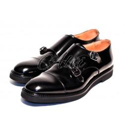 Scarpe stile maschile nere con fibbie