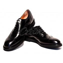 Scarpe allacciate stile maschile nere